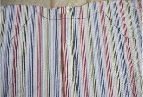 colocar el molde en la mitad de la camisa